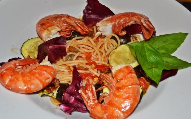 Spaghetti Gambas Oliven Zucchini Radicchio Kapern Sardellen 2