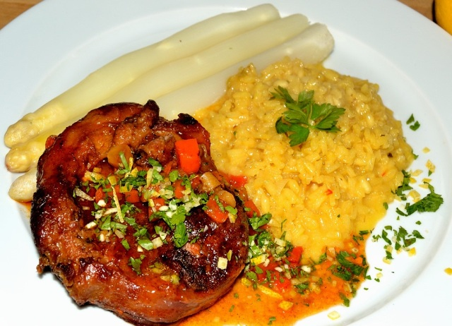 Osso Buco Safranrisotto Spargel 2